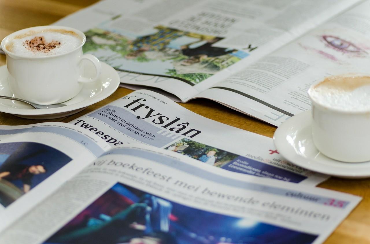英字新聞とコーヒー