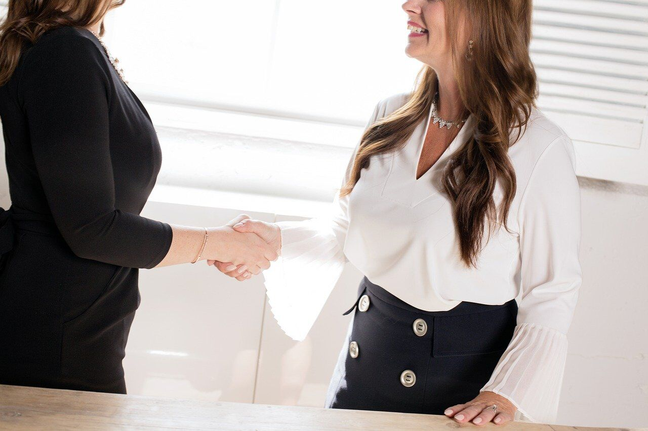 ビジネス英語を使う女性たち