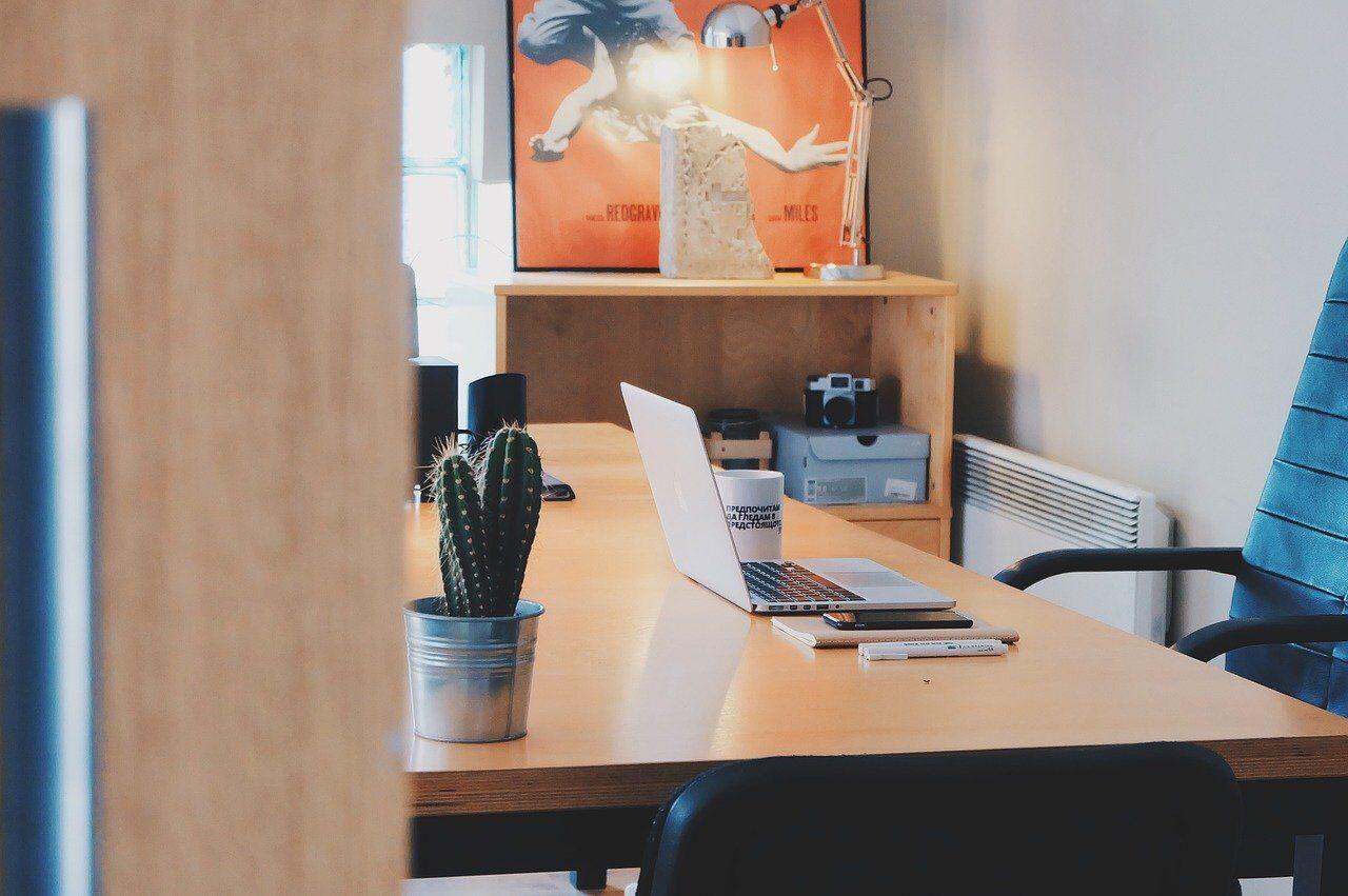 オフィスの勉強スペース